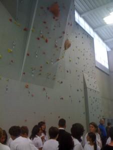 Un mur d'escalade  bois-béton pour prendre de la hauteur