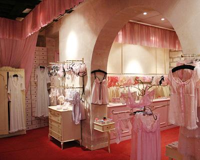 La boutique de la rue Rousseau - l'idéal féminin par en dessous